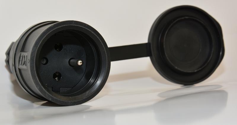 PCE Gniazdo sieciowe 250V 16A IP44 gumowe z klapką 2411
