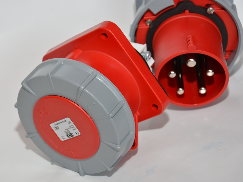 Gniazdo tablicowe PCE 125A IP67 345-6