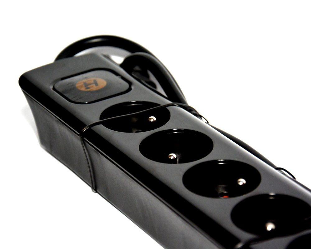 Przedłużacz z ładowarką USB 2.1A 8 gniazd zabezpieczenie przeciążeniowe